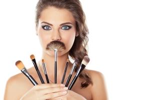 Conoce las Brochas de maquillaje y cómo mantenerlas