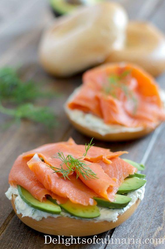 bagels queso crema salmon y ahucate